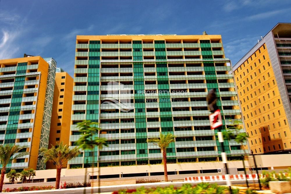 Property - High ROI!.Huge 2BR Apartment on high floor with great facilities