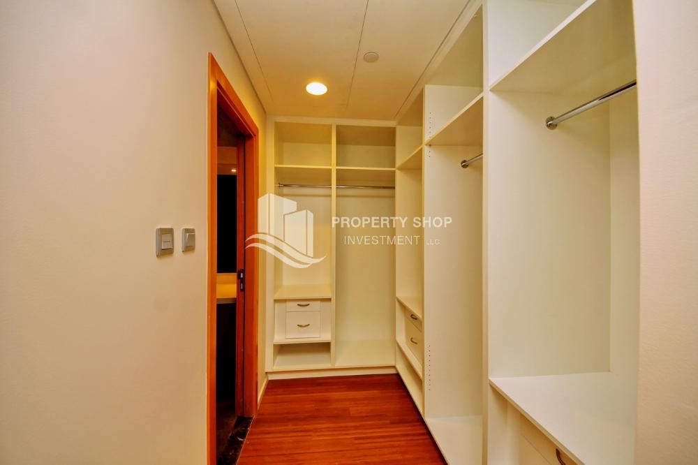 WalkIn Closet - High ROI!.Huge 2BR Apartment on high floor with great facilities