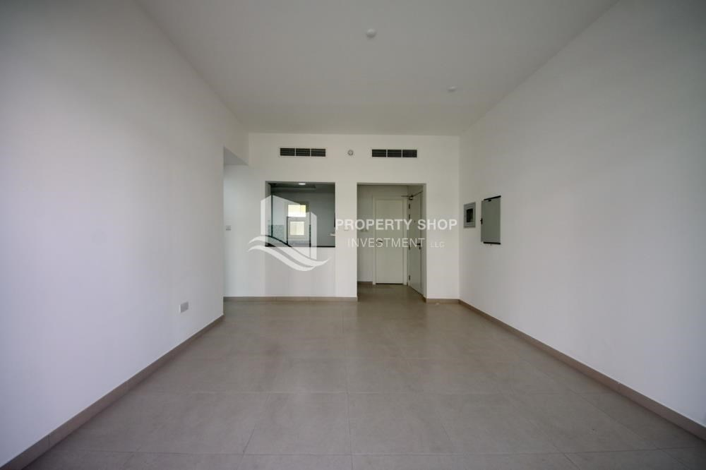 Dining Room - Vacant upto 3 Cheques! Terrace Apt with garden view.