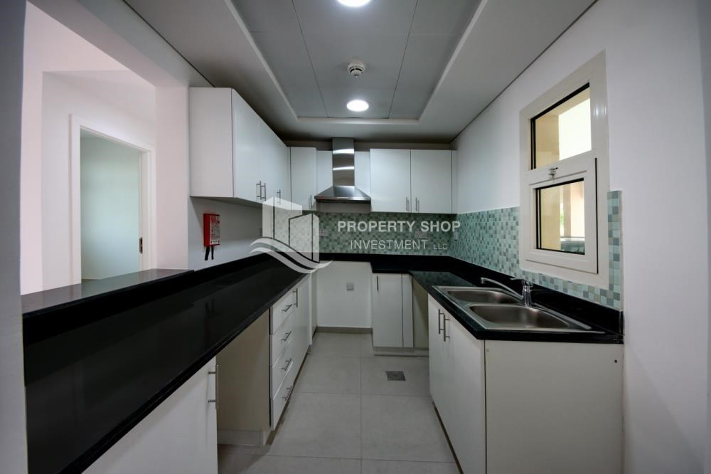 Kitchen - Vacant upto 3 Cheques! Terrace Apt with garden view.