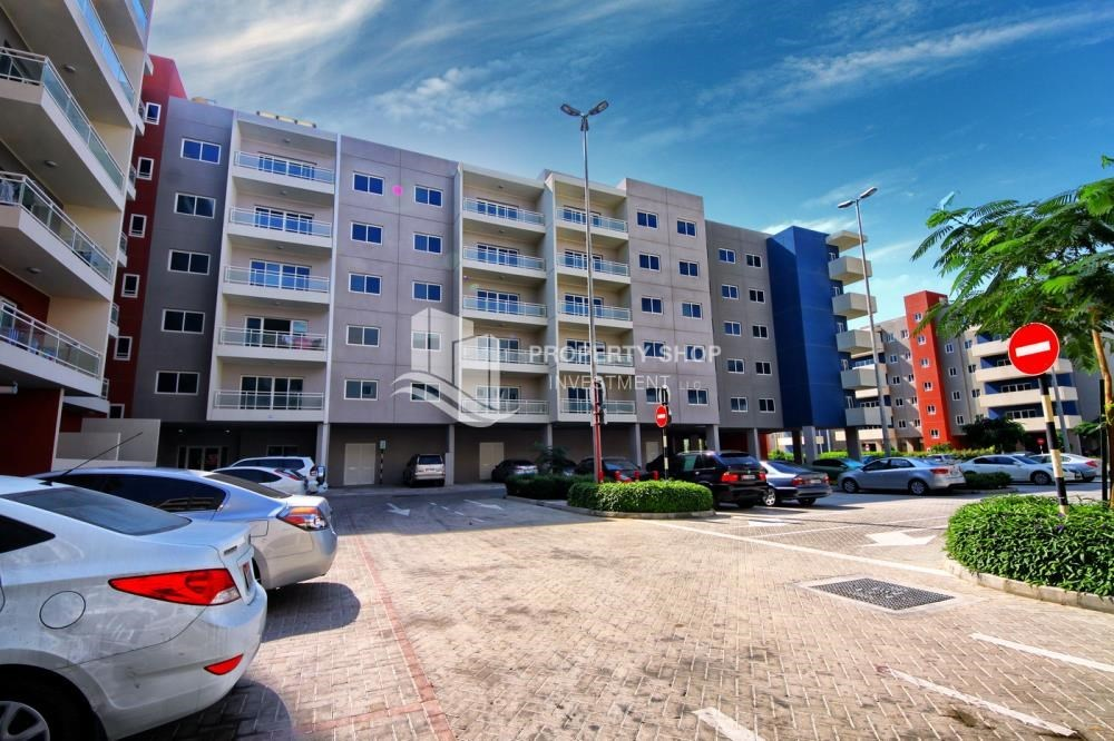 Property - vacant |1BR APT Type G with terrace for sale