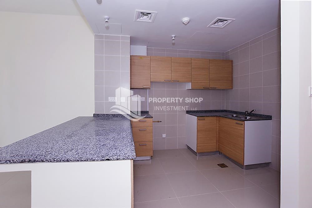 Kitchen - Huge 2BR Apt in Marina Bay for Rent!