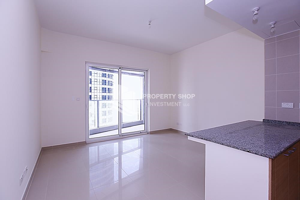 Living Room - Huge 2BR Apt in Marina Bay for Rent!