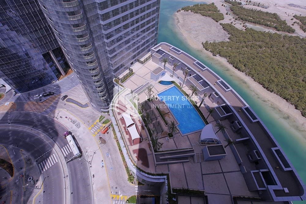 Community - Huge 2BR Apt in Marina Bay for Rent!