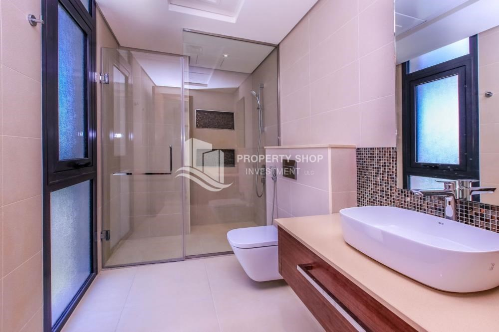 Bathroom - 5BR+M independent villa with terrace.