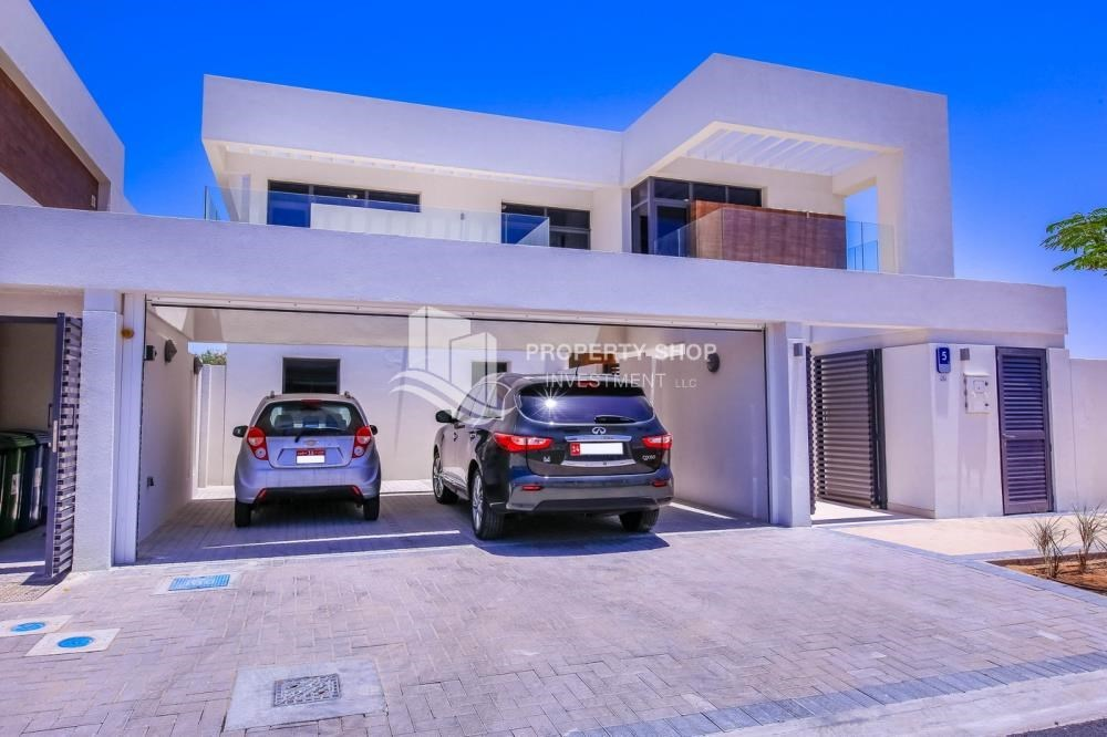 Parking - 5BR+M independent villa with terrace.