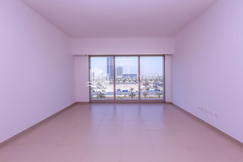 Living Room - Studio apartment in Gate Tower for rent.