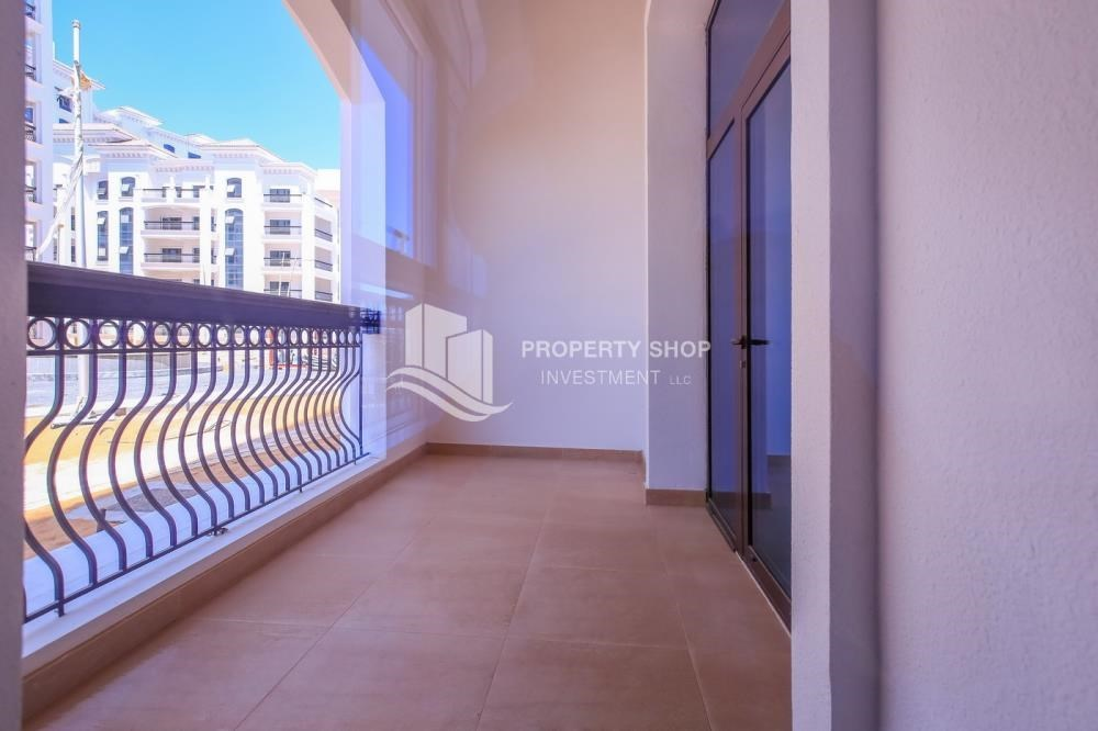 Balcony - Huge Apt with Community View Below Original Price