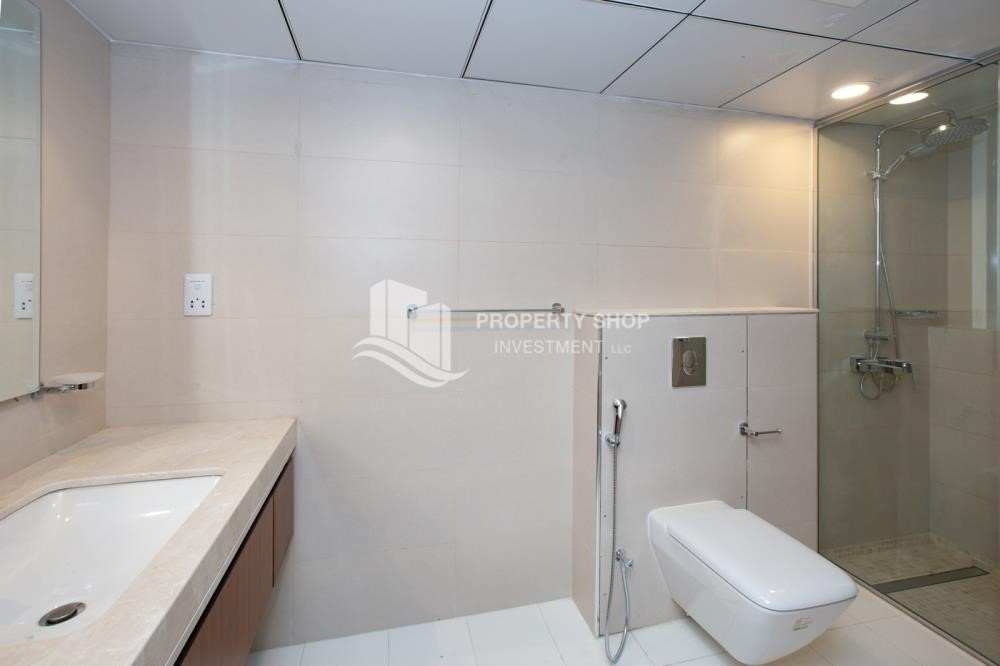 Bathroom - Inspiring view in a Brand New Tower, Al Qurm View