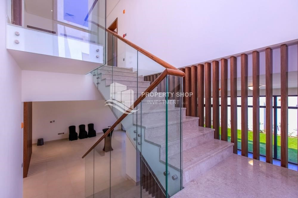 Stairs - Luxurious Villa with 2 Car park in West Yas for RENT.