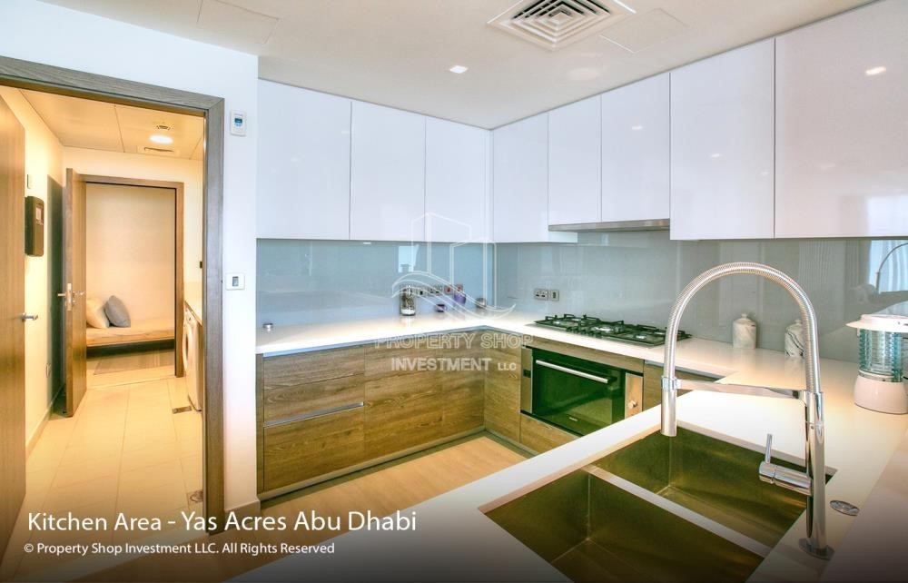 Kitchen - Spacious 3 bedroom townhouse in Yas Acres