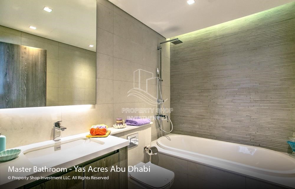 Bathroom - Spacious 3 bedroom townhouse in Yas Acres