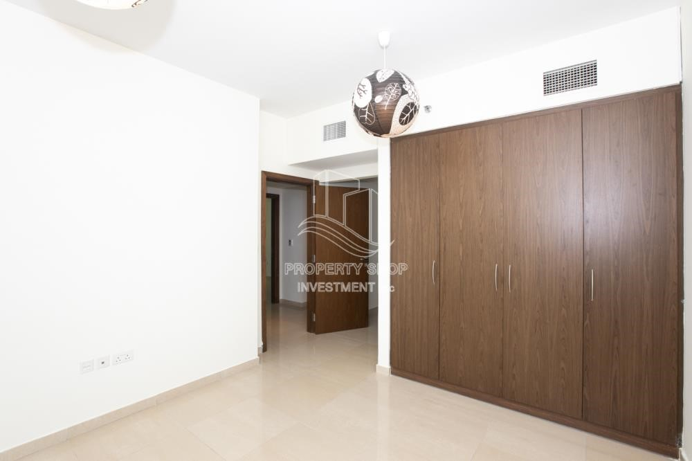 Built in Wardrobe - Sea View! 3BR apartment available for rent now!