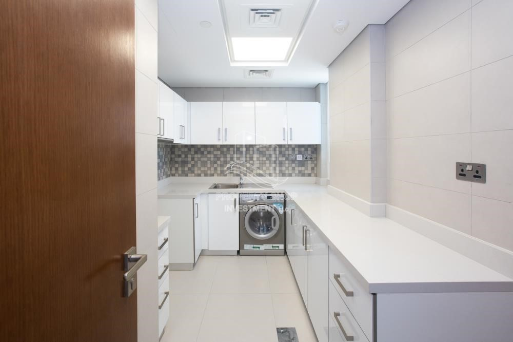 Kitchen - Huge Layout, 1 BR Apartment  with 1 Month Rent Free and 0 Commission!