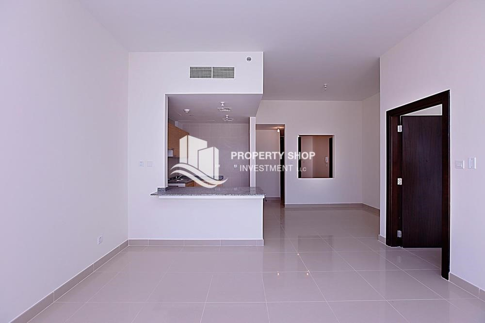 Dining Room - Sea view unit with full facilities.