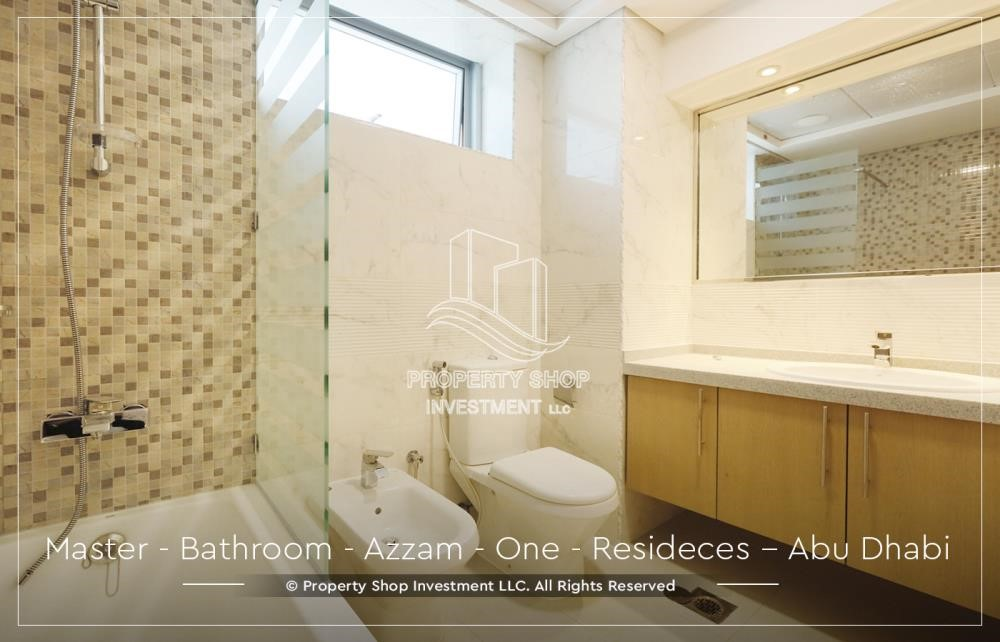 Master Bathroom - Well Maintained, 4BR+M Apartment with Gym, Pool, Sauna, Steam Room