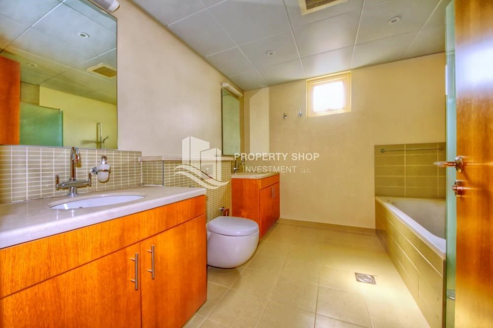 Bathroom - Garden view 4 BR villa Type S with great facilities