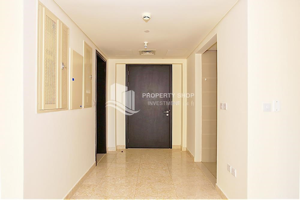 Foyer - Great Investment opportunity 1 bedroom with High ROI