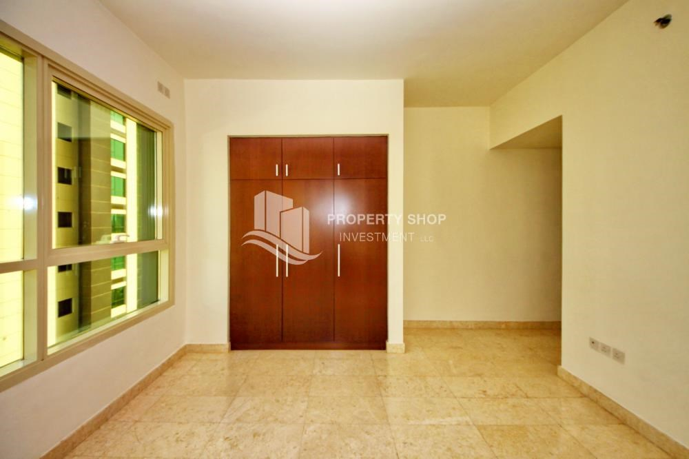 Built in Wardrobe - Hot Deal Sea View Apt at Excellent Price.