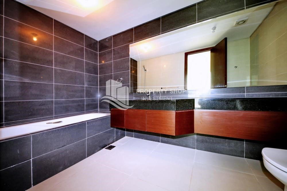 Bathroom - 1 Bedrooom Apartment in Marina Blue, Marina Square FOR RENT!