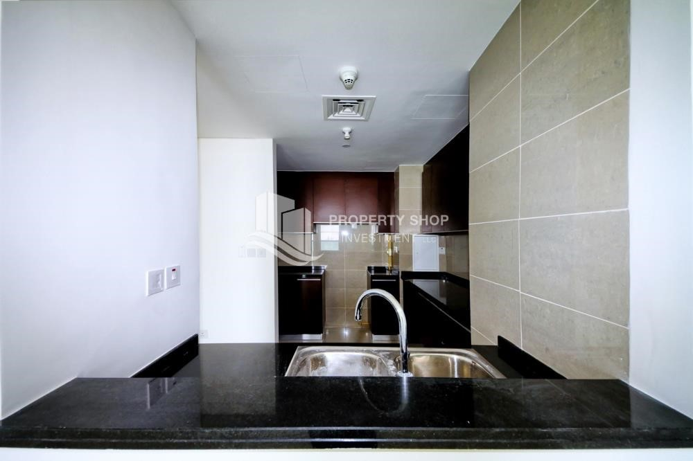 Kitchen - 1 Bedrooom Apartment in Marina Blue, Marina Square FOR RENT!