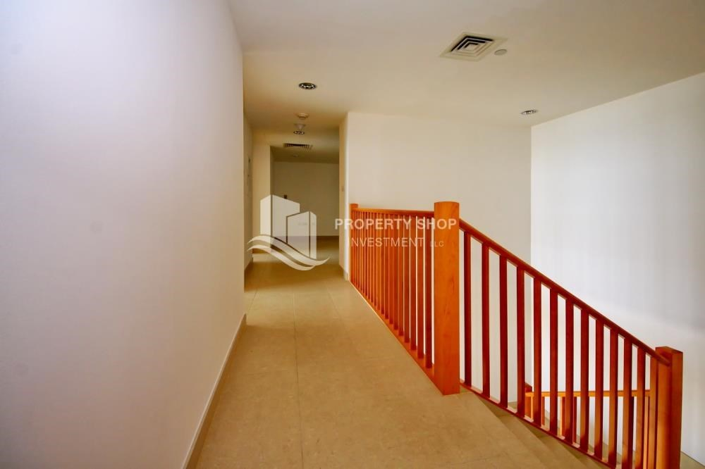 Corridor - 4 bedroom with big terrace and direct access to the elevator