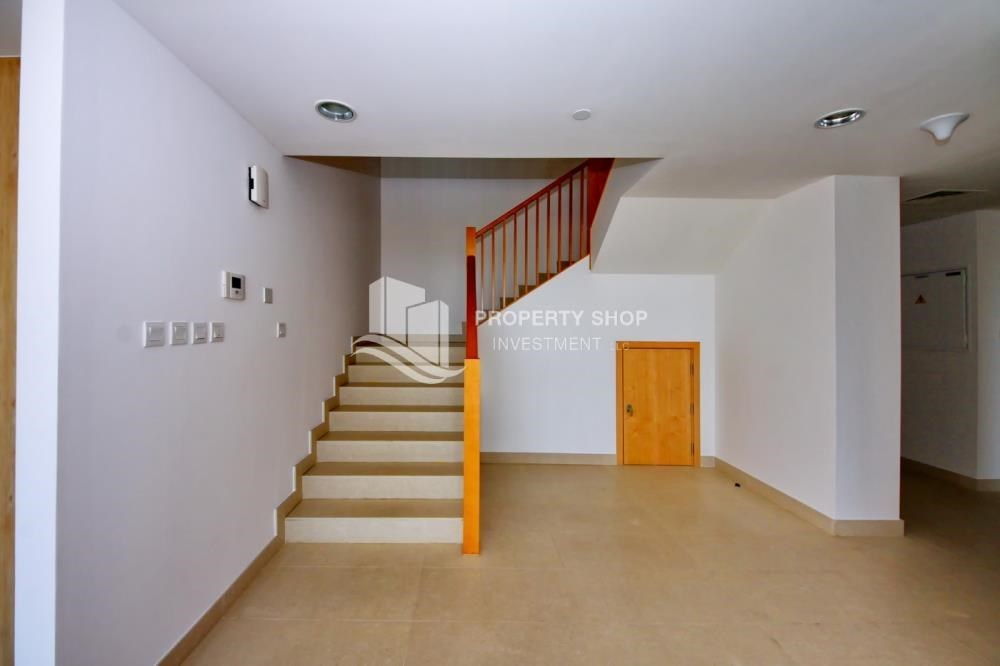 Stairs - 4 bedroom with big terrace and direct access to the elevator
