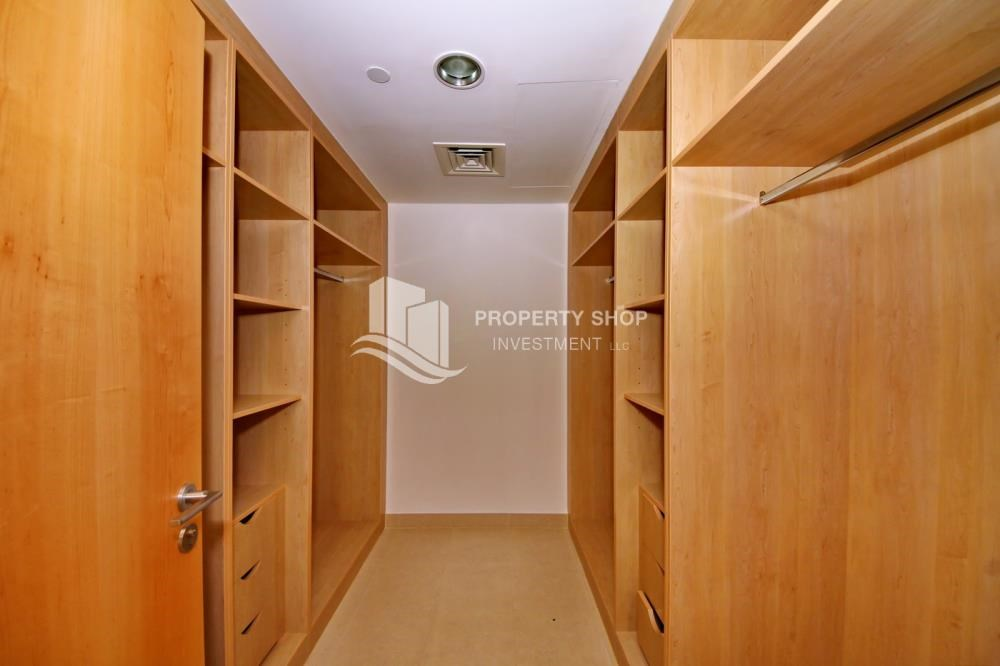 WalkIn Closet - 4 bedroom with big terrace and direct access to the elevator