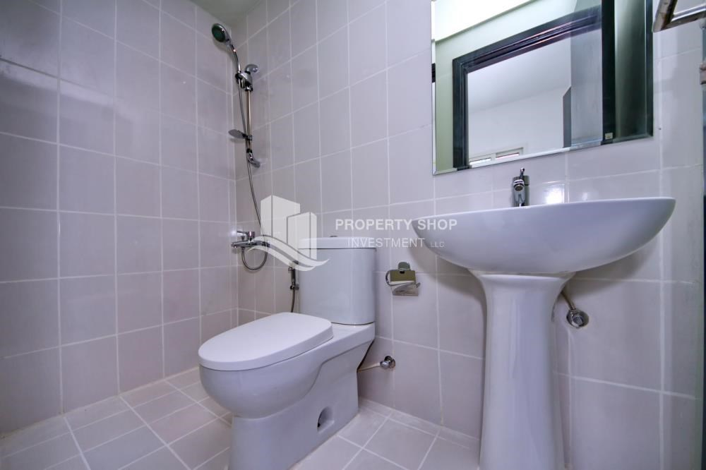 Bathroom - High floor 3BR + M with balcony in prime location