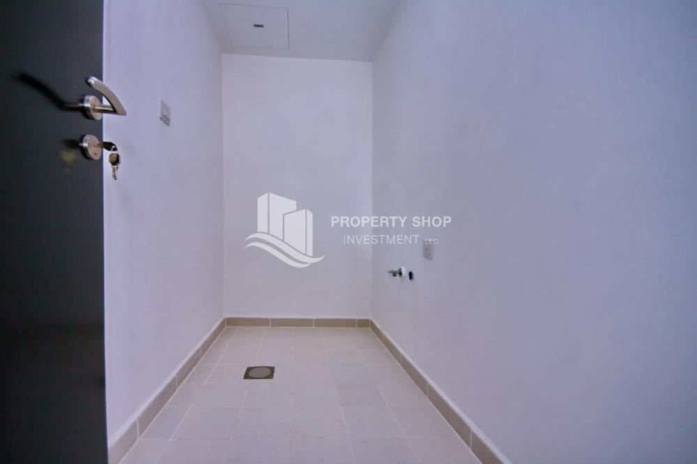 Laundry Room - High floor 3BR + M with balcony in prime location