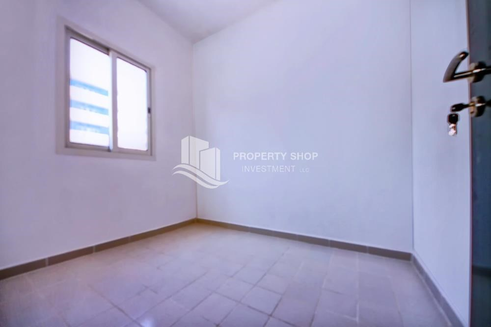 Maid Room - High floor 3BR + M with balcony in prime location
