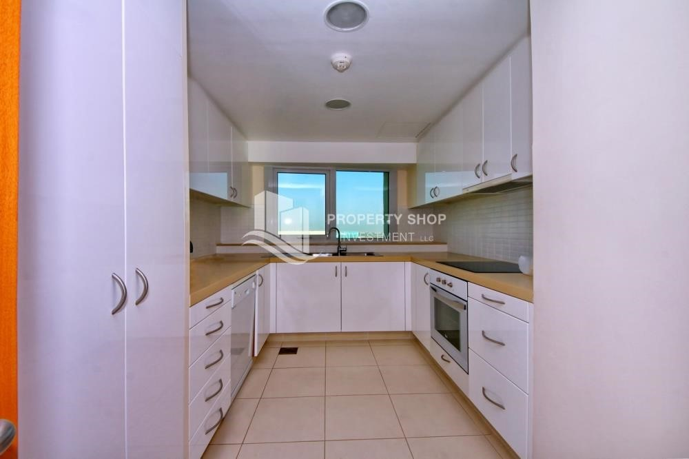 Kitchen - Luxurious 3BR Apartment with sea View for Rent