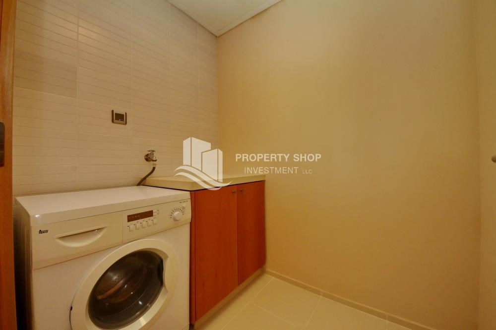 Laundry Room - High floor 1 BR apt with well maintained facilities of Al Sana, Al Muneera