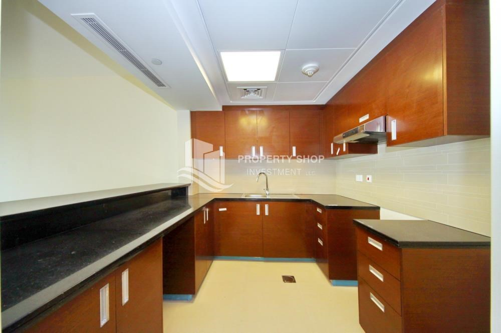 Kitchen - Sea view Apt + full facilities.