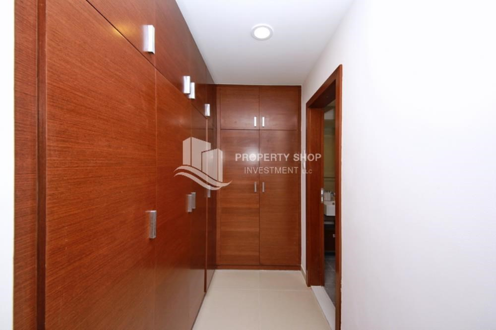 Built in Wardrobe - Invest now, High Floor Apt in prime location