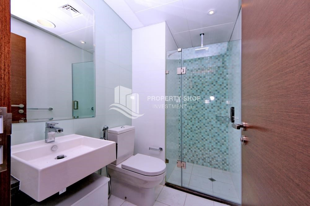 Bathroom - Spacious layout, High floor Apt plus Maid's room with sea view.