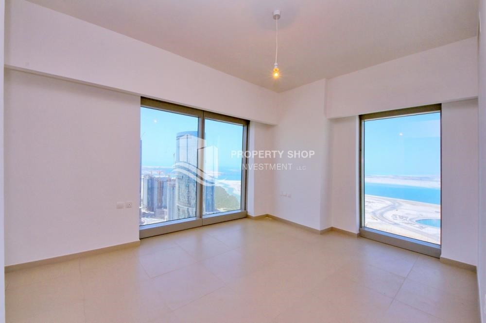 Bedroom - Spacious layout, High floor Apt plus Maid's room with sea view.