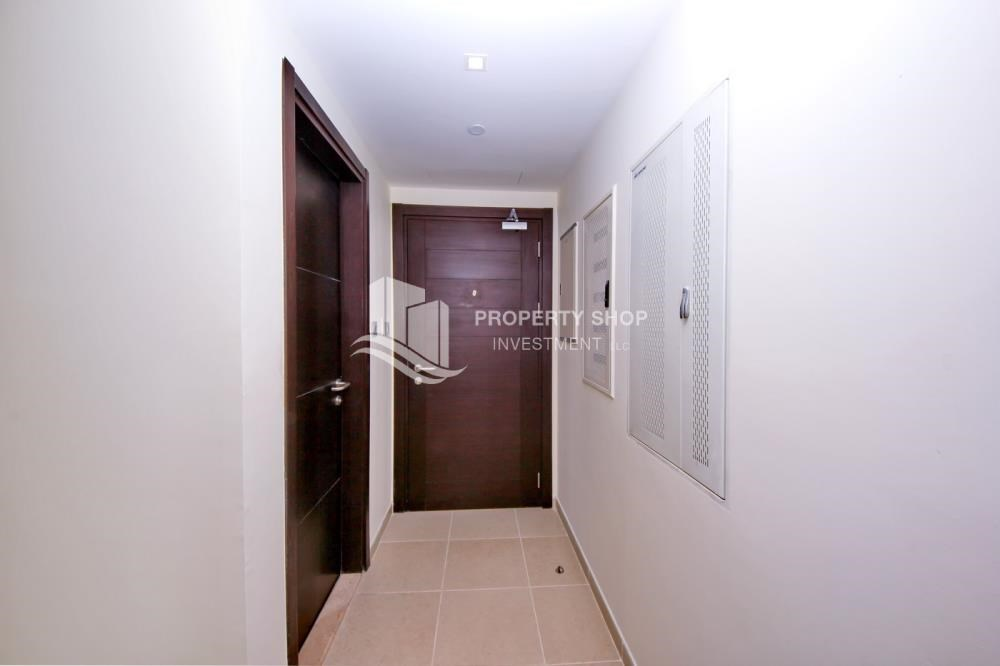 Corridor - 2br, Living in Luxurious Mangrove Place, Al Reem Island