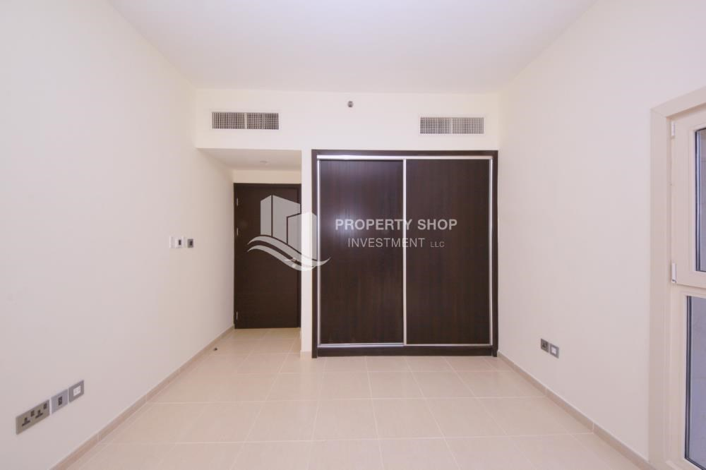 Built in Wardrobe - 2BR on High Floor with modern facilities