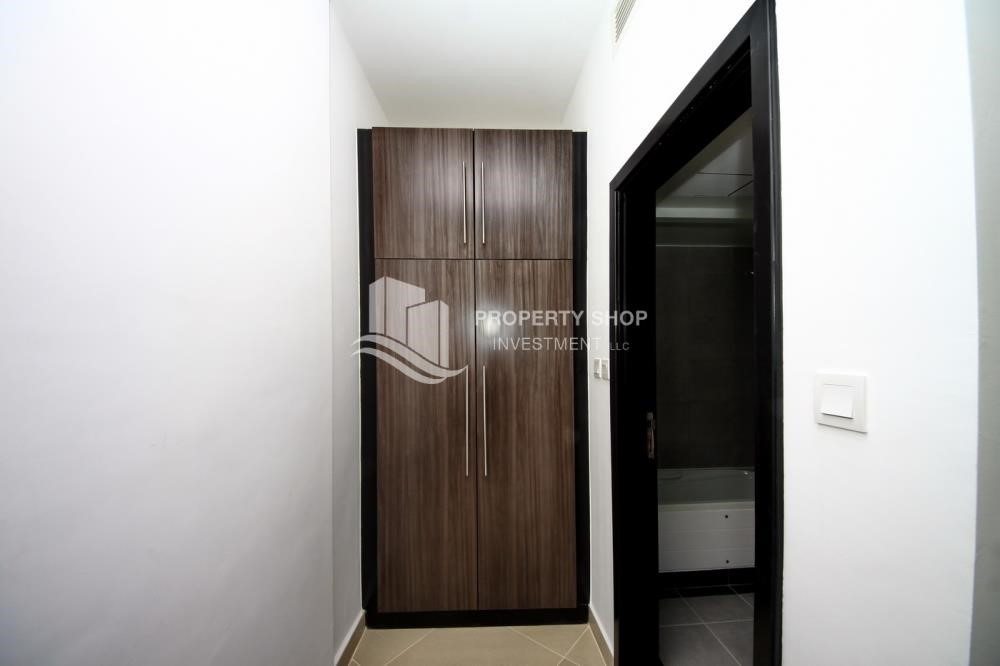 Built in Wardrobe - 2 Bedroom Apartment in Al Reef Downtown FOR RENT!
