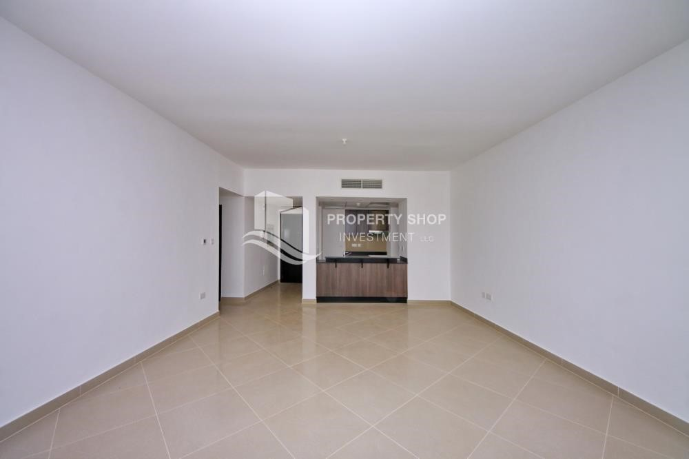 Dining Room - 2 Bedroom Apartment in Al Reef Downtown FOR RENT!