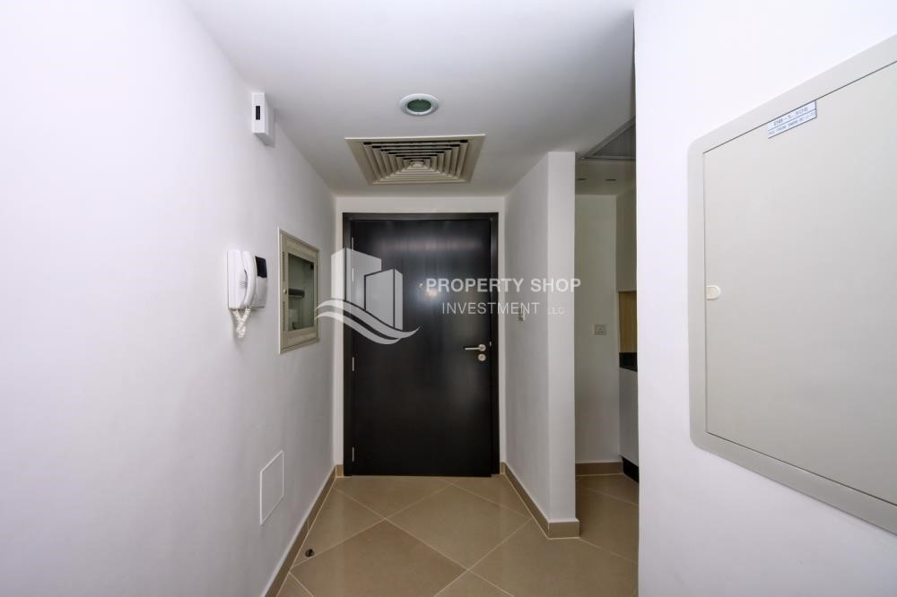 Foyer - 2 Bedroom Apartment in Al Reef Downtown FOR RENT!