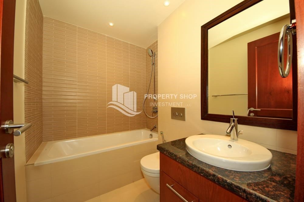 Bathroom - 2BR Apt on Low Floor with street view in Saadiyat Island!