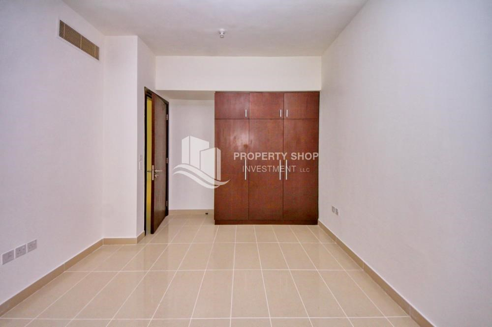 Built in Wardrobe - High floor Apt in Al Maha Tower.