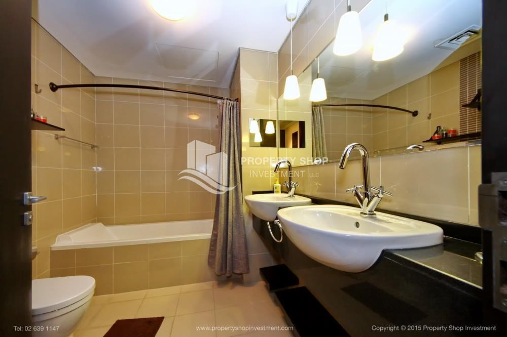 Bathroom - Stunning 1BR in High Floor with panoramic views of Al Reem community.
