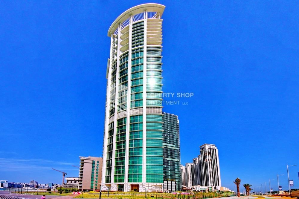 Property - Stunning 1BR in High Floor with panoramic views of Al Reem community.