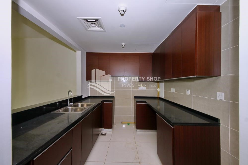 Kitchen - Low floor 1BR Apt with Sea view.