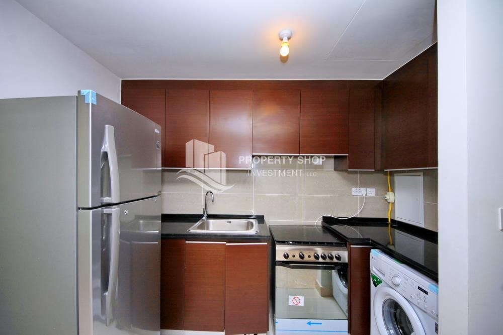 Kitchen - Studio Unit with Sea view vacant for rent