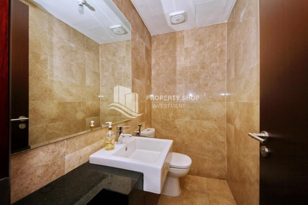 Bathroom - Spacious 1BR Apt in Marina Square with Stunning Views!