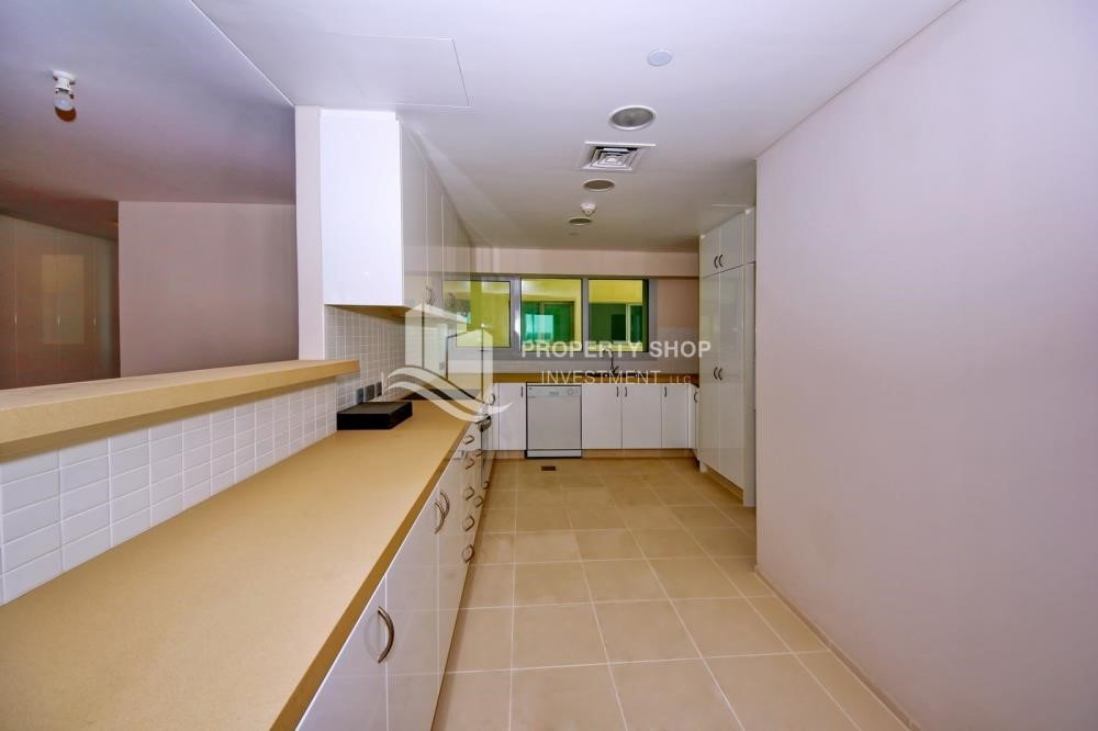 Kitchen - 2% Rent Free + 1 Month Rent Free / Sea view 4BR+M Apt.
